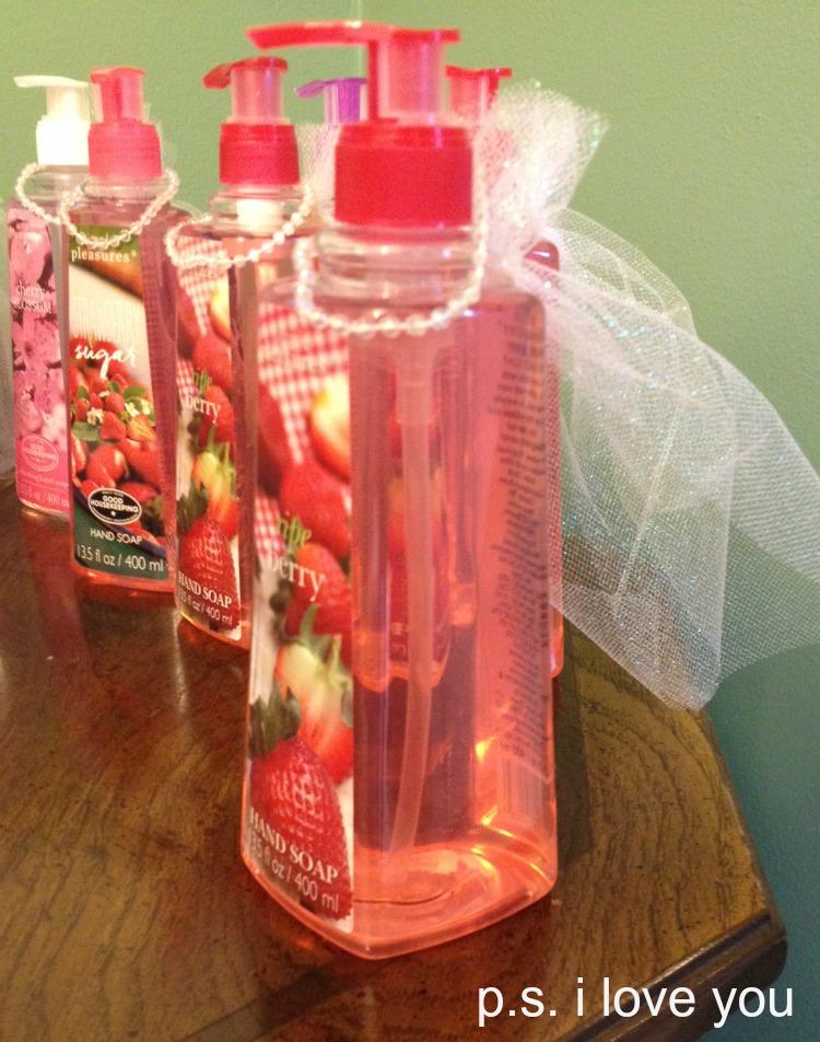 Wedding Shower Favor Ideas Diy : Bridal Shower FavorsThese DIY Bridal Shower Favors are so easy to ...