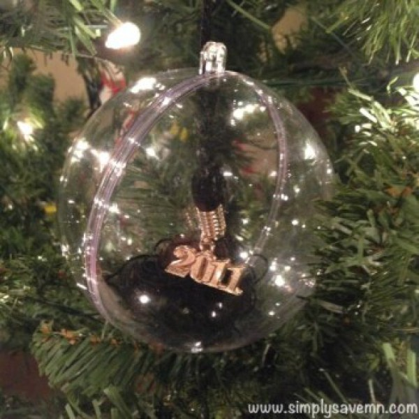 65 handmade christmas ornaments to make this weekend p s for Christmas ornament craft ideas adults